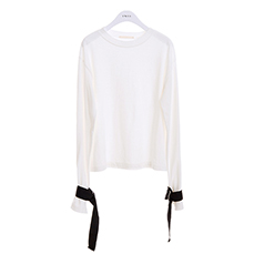 Sleeve strap point tee
