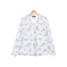 Simple flower blouse